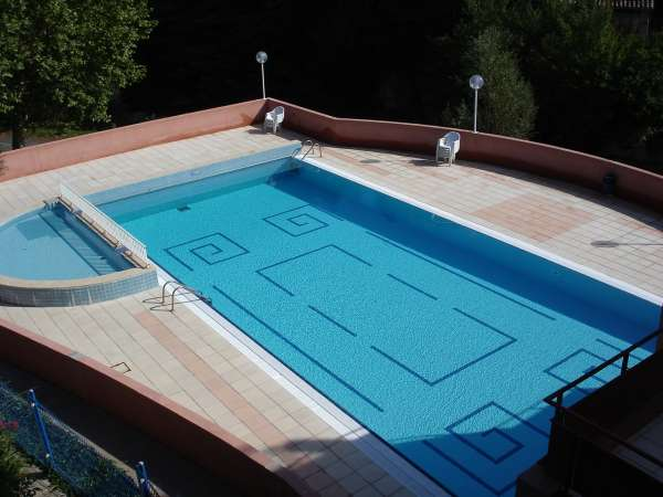 aude cathare piscine de rennes les bains. Black Bedroom Furniture Sets. Home Design Ideas